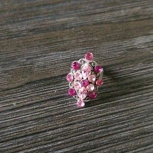 Jewelry - Adjustable pink ring